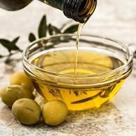 Oleje a olivy